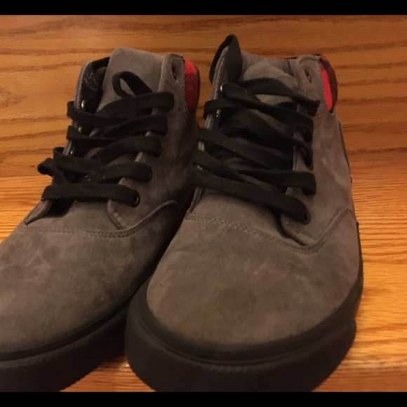 Old Navy Other - Old Navy Boys Shoes size 4
